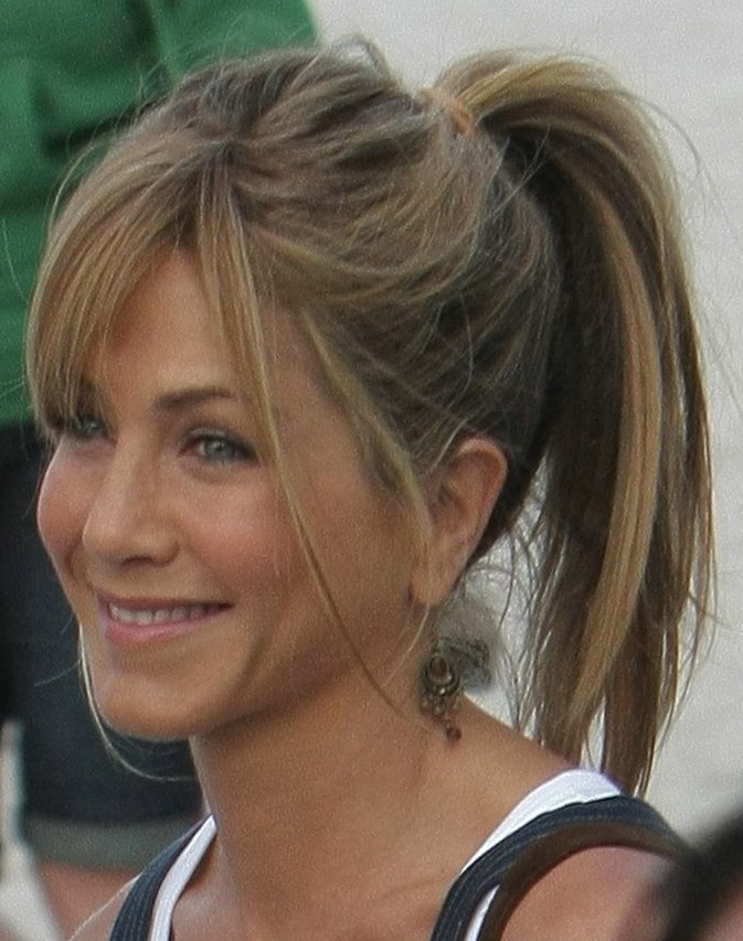 Jennifer Aniston Haircut With Bangs. Jennifer Aniston: The everyday