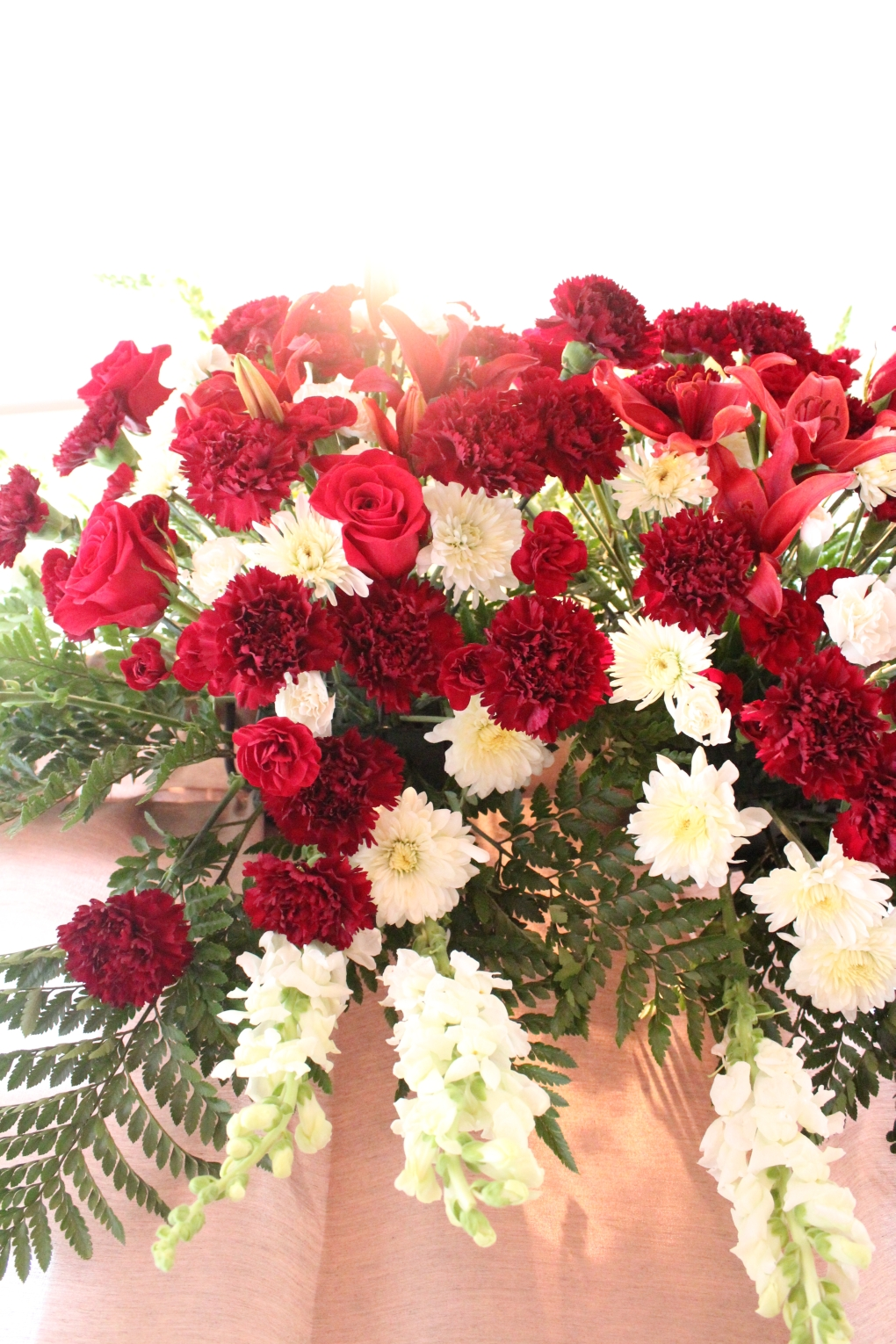 Friday Find Bring Red White And Blue In Your Room Flowers For